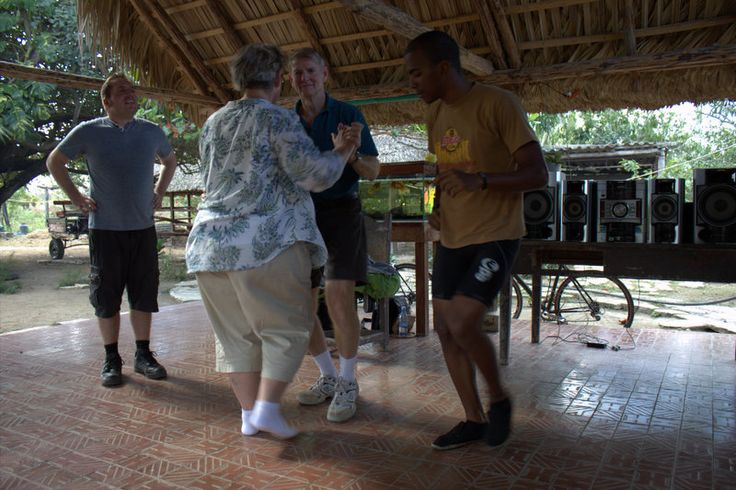 Salsa lessons with Raydel