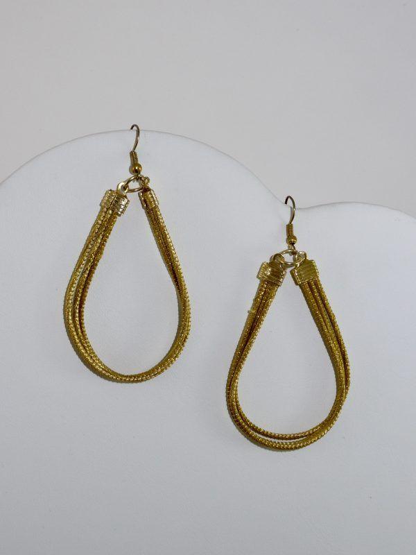 Capim Dourado (Golden Grass) Teardrop Earrings #goldengrass #brazil #sustainablefashion #jewelry #ecofriendly #handmade #handmadejewelry #brazilian  #handcrafted #earrings