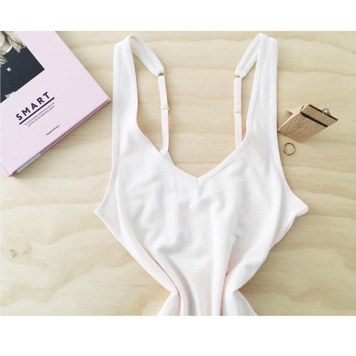 Bodysuit: THE-ONE BASE, blush colour available on our webshop: www.woronstore.com