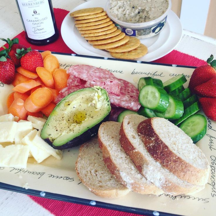 Welcome in spring and bring out the sun! #beerenbergwith antipasto plate. Thanks @healthyeats_and_treats for the photo!
