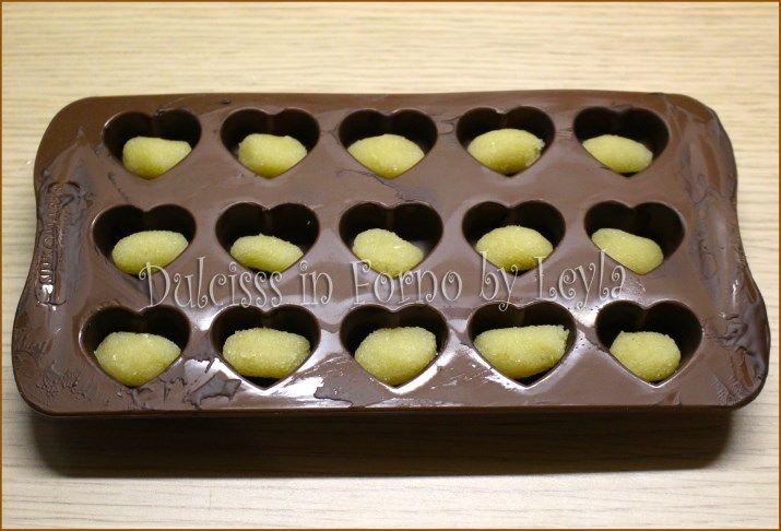 cioccolatini a cuore cioccolatini a forma di cuore cuoricini di cioccolata cioccolatini di San Valentino cioccolatini S. Valentino cioccolatini da regalare cioccolato cioccolato bianco ganache cioccolatini farciti cioccolatini con ganache cioccolatini con marzapane cioccolatini ripieni di marzapane cioccolatini ripieni di ganache cioccolatini a cuore con marzapane cioccolatini farciti di marzapane cioccolatini a cuore fatti in casa idee per san valentino idee per s. valentino idee regalo…