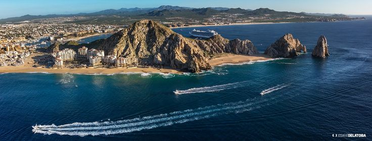 Aerial view of the Arch #josafatdelatoba # #mexico #bajacaliforniasur #loscabos #cabophotographer #thearch #cabosanlucas #sea