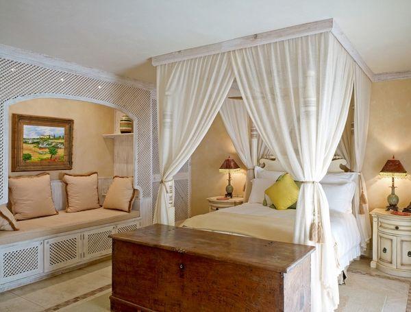 blanco moderno diseo dormitorio de matrimonio con dosel de marco cama de madera blanca cortinas de