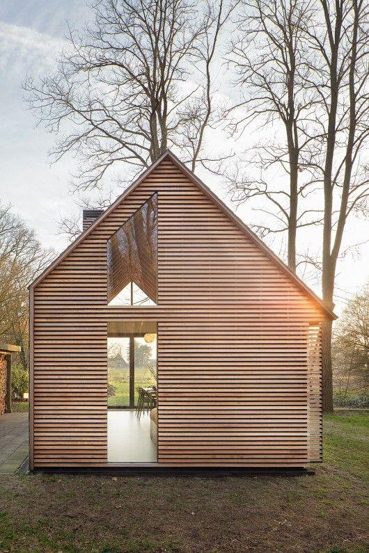 © Stijn. http://www.archdaily.com/610571/recreation-house-near-utrecht-roel-van-norel-zecc-architecten/❤️