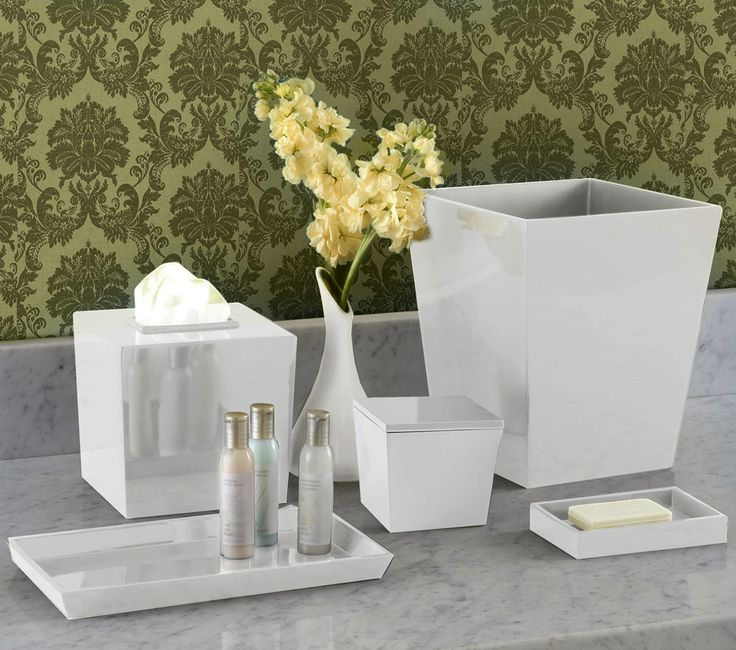 white lacquer bathroom accessories set