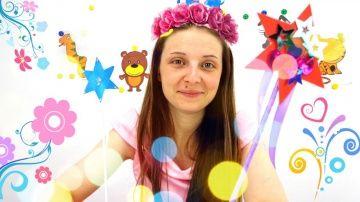 Видео для девочек. Мастер-класс: Делаем волшебную палочку! http://video-kid.com/13131-video-dlja-devochek-master-klass-delaem-volshebnuyu-palochku.html  Сегодня фея Ромочка будет творить настоящее волшебство своими руками, и тебя научит тоже, принцесса!Для этого нам понадобится цветная лента, палочка, клей, ножницы, цветная бумага и блестки.Немного усилий - и получается настоящая волшебная палочка. Пора исполнять желания и воплощать мечты!Мы в ВКонтакте: Мы в Одноклассниках: Мы на Facebook…