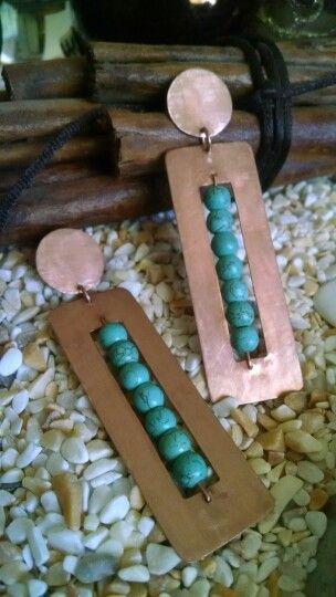 Aros de cobre y turquesa