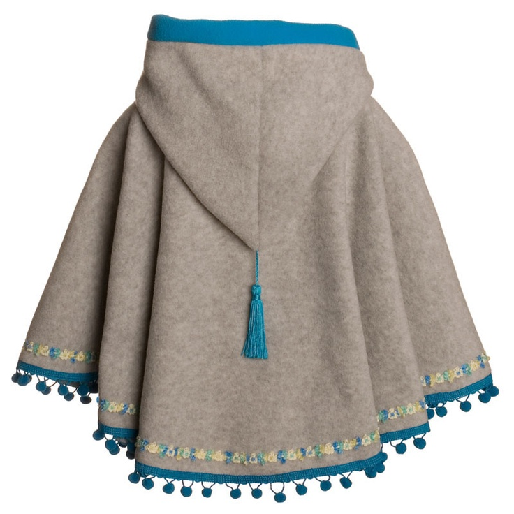 I love the idea of using a pre-made poncho with a hood like this as a Girl Guide crest/patch campfire blanket. #Girl_Guides #Girl_Scouts #poncho