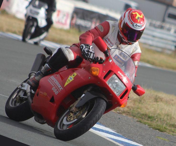 Ducati 888 S... Ducati Facebook