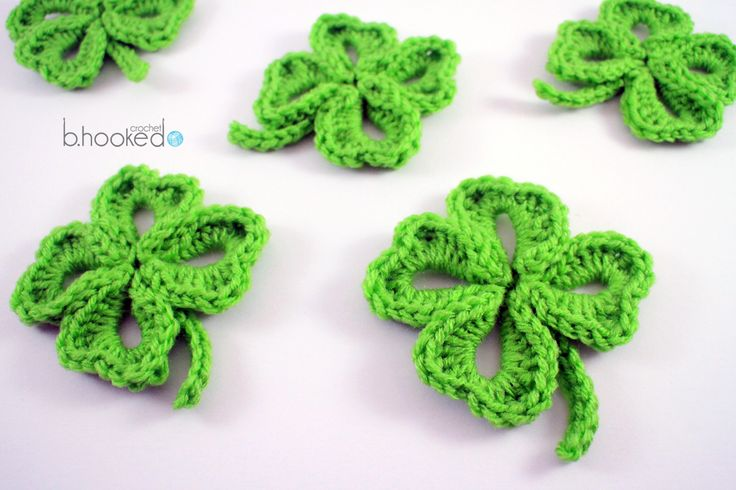 Crochet clover tutorial and free pattern from B.hooked Crochet.