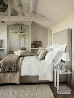 Op zoek naar tips voor het inrichten van een landelijke slaapkamer? Klik op de bron voor een artikel vol tips voor een landelijke inrichting!
