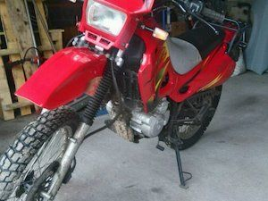 Urban DZ 125, 4 stroke 125cc with only 109miles on it. The bike was never registered. I replaced the tyres and indicators as they were perished. No paper work as it's not registered but can be done at nct centre. Lovely bike to ride ideal for beginner or handy runabout. Seat is only bad point as cover is perished, thanks for looking. No swaps. New battery just fitted.