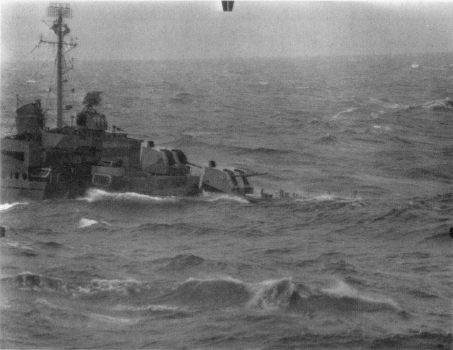 USS Maddox DD-731 Allen M. Sumner class destroyer in trouble as the typhoon overtakes the Third Fleet - BFD