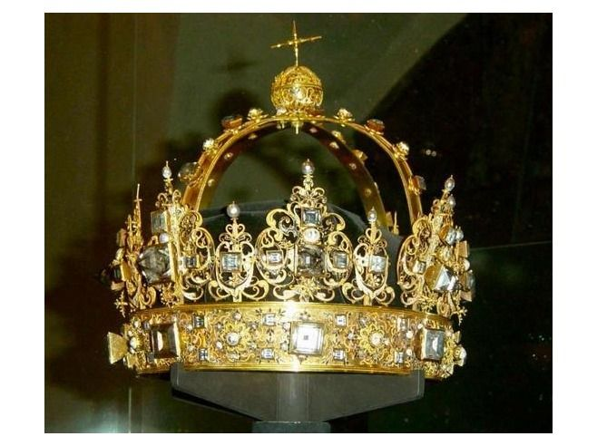 Karl IX, Sweden. The crown you can see here, and also the sceptre and the apple were made specially made in 1611 for the funeral of Karl IX.
