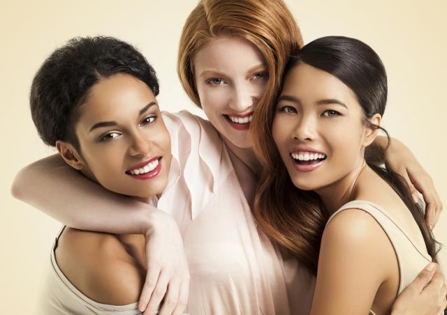 El Ananga Ranga describe tres tipos de mujeres según su aspecto fisico, temperamento y deseo sexual. Descubre las caricias más placenteras para ellas.
