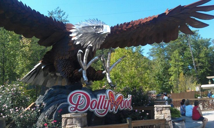 18 best dollywood in pigeon forge tn images on pinterest for American eagle cabin pigeon forge tn