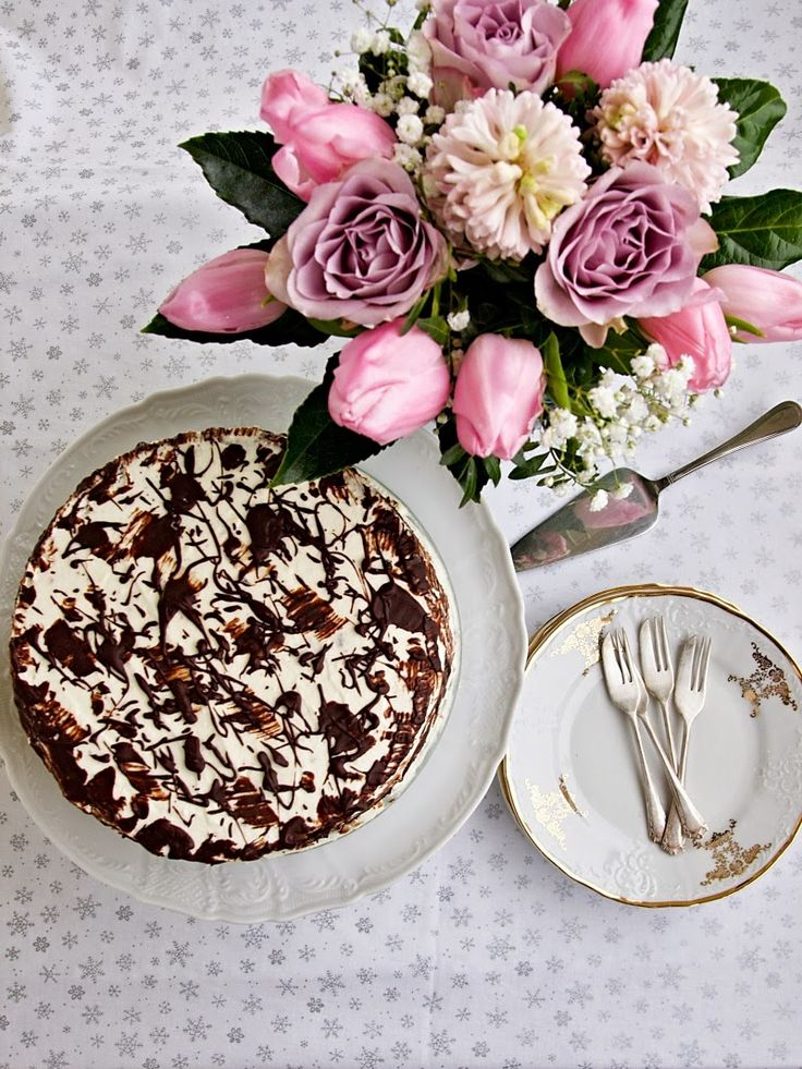 Víte, jak těžké to má muž nadšené amatérské cukrářky? Zeptejte se toho mého:o) Manžel se mi ke každým narozeninám snaží upéct dort a obvykle...