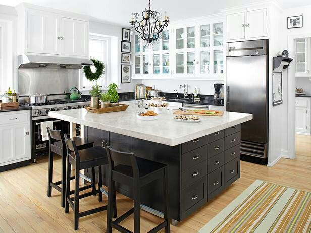 Large Kitchen Island With Space For Barstools But No Sink