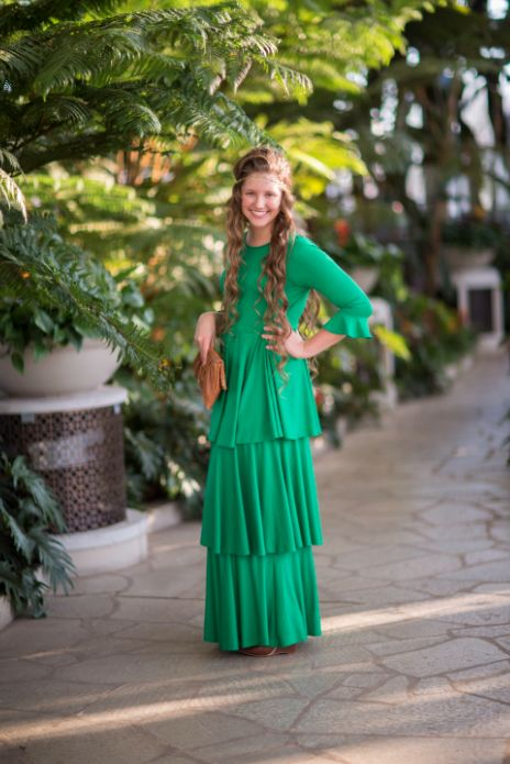 This is one dress you'll never want to take off! Check out our new Emerald Darling dress at www.daintyjewells.com #modest #kellygreen #bridesmaid #green #emerald