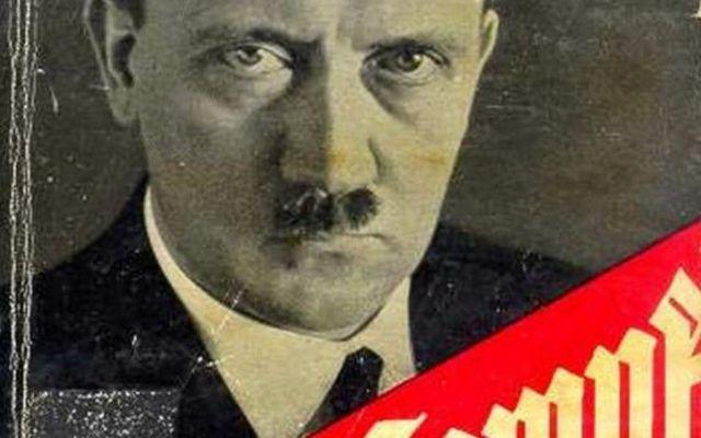 Mein Kampf, il libro di Hitler va in ristampa dopo 70 anni... Il Mein Kampf torna di moda in Germania che ha deciso di mettere in ristampa uno dei libri più discussi della storia… Si parla di almeno 4000 copie solo nel prossimo mese, del Mein Kampf, il li #meinekampf #hitler