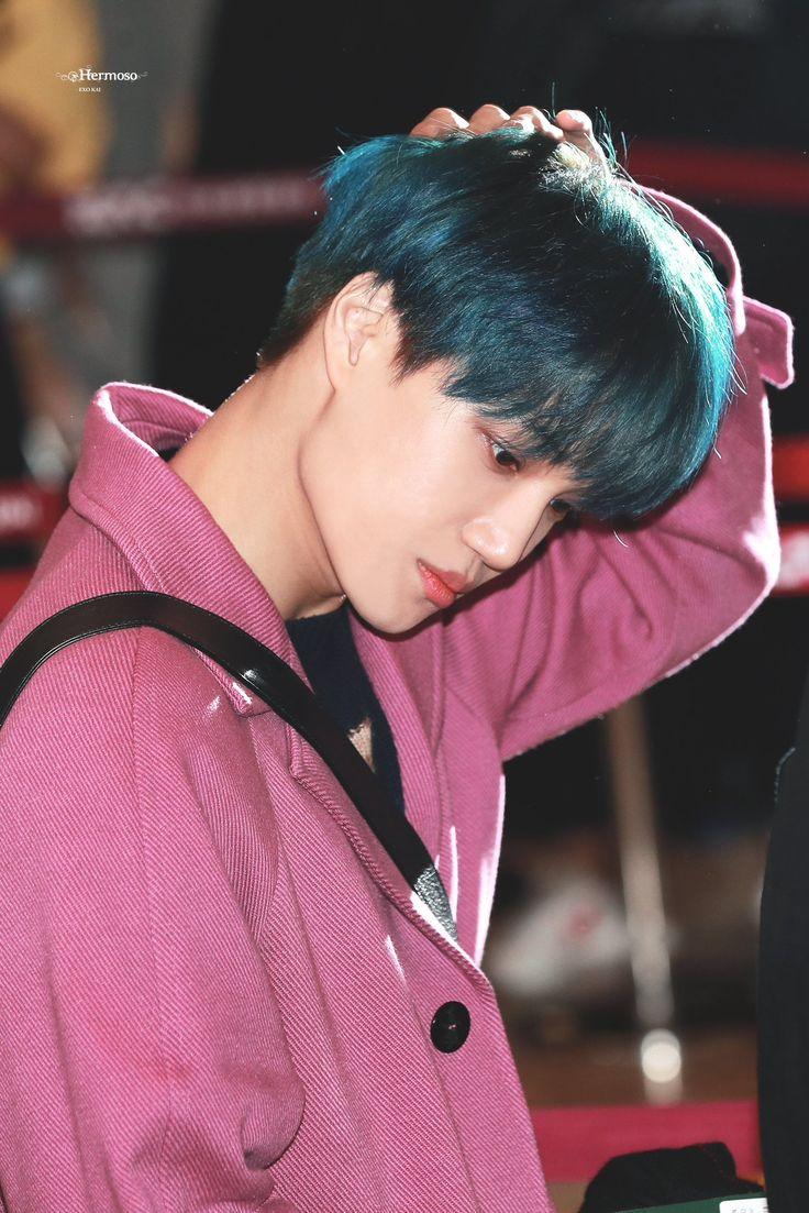 Selebritas Oleh Chan Byunee Di Kai At Airport Chanyeol