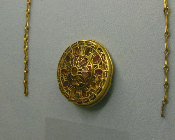 Fibula a disco della sepoltura detta della Dama del Lingotto (TO) Museo di Antichità di Torino