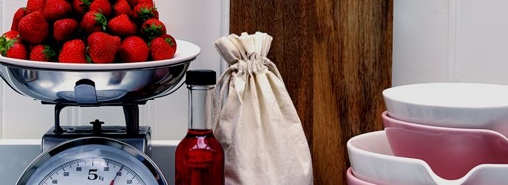 Je hebt toch wel wat beters te doen dan boenen? Je kunt je keuken ook razendsnel schoonmaken zonder al te veel tijd kwijt te zijn. Daarom: zes supersnelle schoonmaaktips waar je echt wat aan hebt. 1: gooi je schuurspons maar weg Voortaan hoef niet meer te schuren op aangekoekte pannen, bakplaten en grillroosters. Laat de …