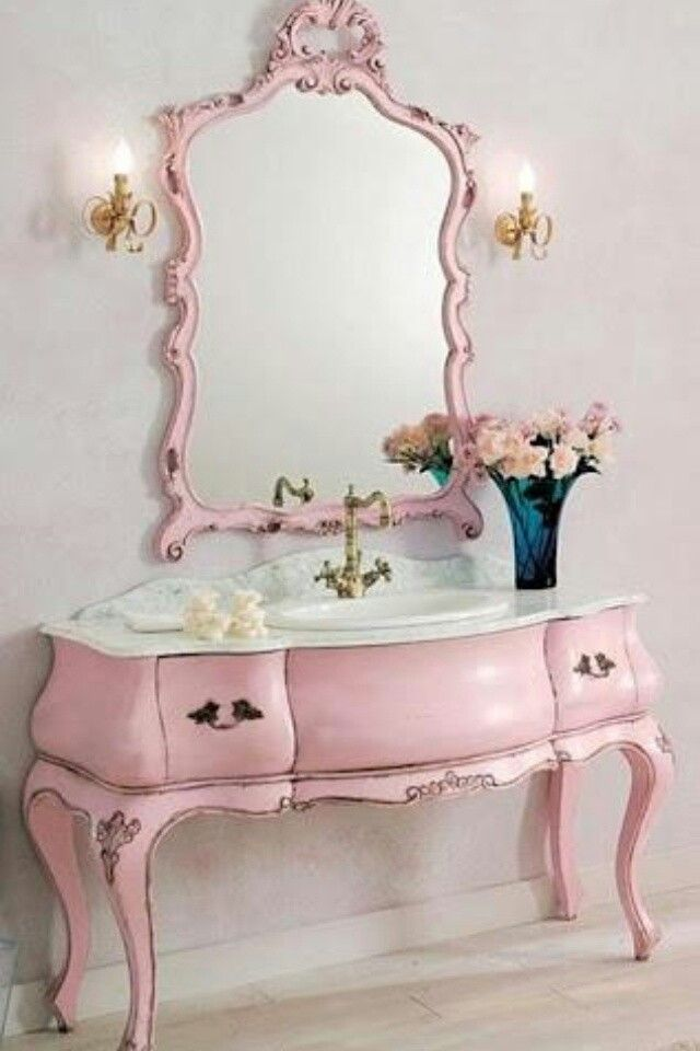 Shabby pink bathroom sink <3