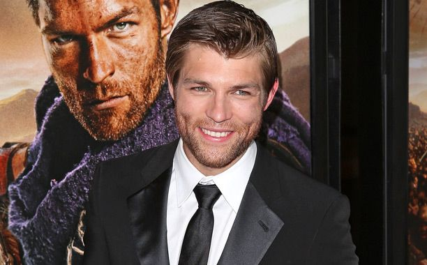 "[ew_image url=""http://img2.timeinc.net/ew/i/2015/01/06/Liam-McIntyre_612x380.jpg"" credit=""Jesse Grant/WireImage"" align=""left""]  In news surprising to no one since the producers behind The Flash and Arrow love Spartacus actors, Liam McIntyre has been tapped to play Mark Mardon, also known as the Weather Wizard, EW has confirmed."