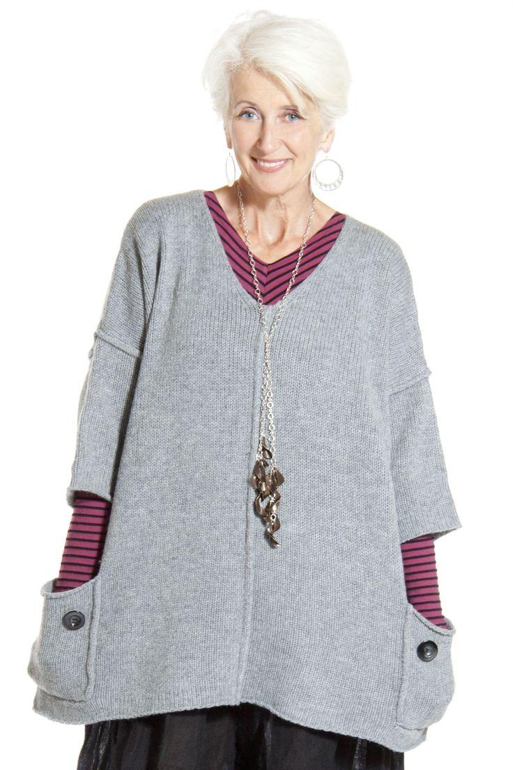 Cashmere V-Neck Sweater- La Fixsun