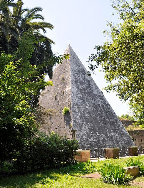 Pyramid of Caius Cestius (12 BC), Rome - Flickr – Condivisione di foto!