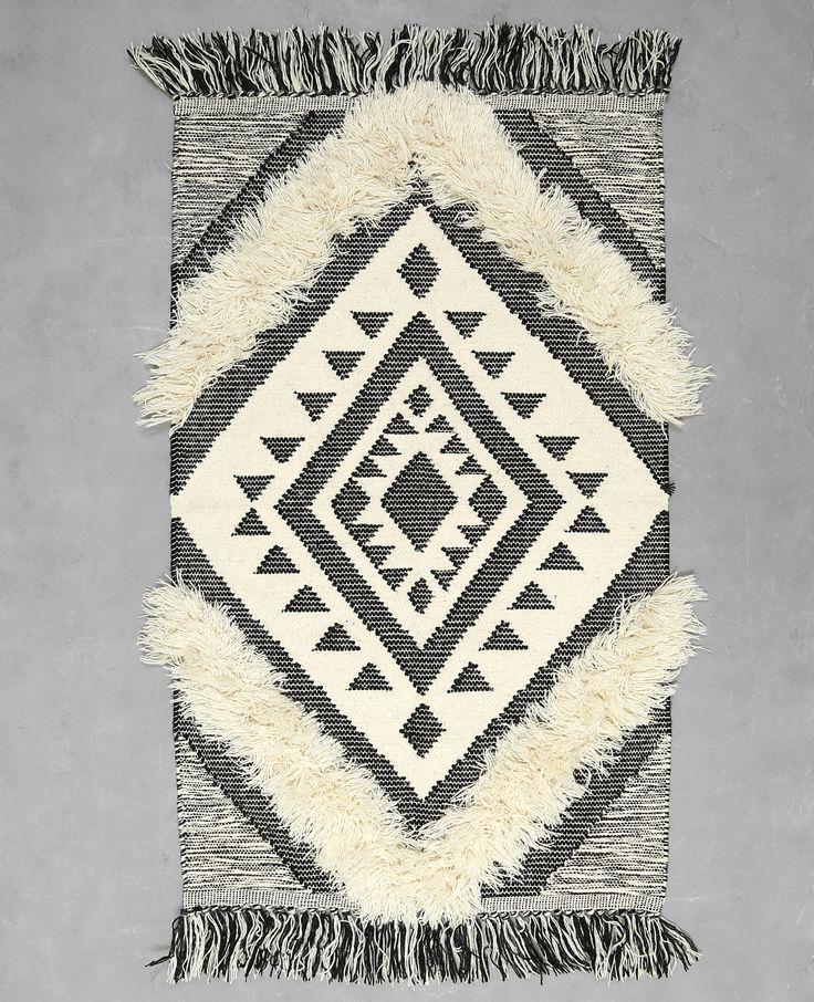 Tapis style berbère - Le tapis berbère est le Must-have dans les tendances déco.
