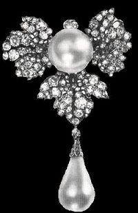Diamond Leaf Strawberry Brooch - belongs to Queen Sophie of the Netherlands
