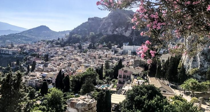 Visiting Sicily? You shouldn't miss Taormina@
