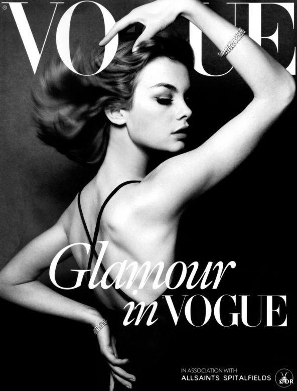 Jean Schrimpton in copertina fotografata da David Bailey