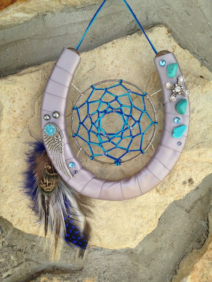 @jaxtats   Horse shoe dream catcher #horseshoe #cowgirl #western