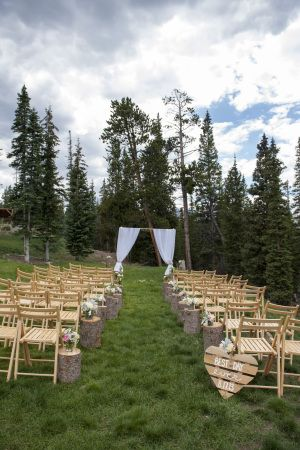 The Colorado dream team, i.e. Love This Day Events and Brinton Studios, is behind this beautifully rustic soiree and aside from the perfect Breckenridge weather, the cute as can be couple, the s'mores bar, and the blooms that looked like