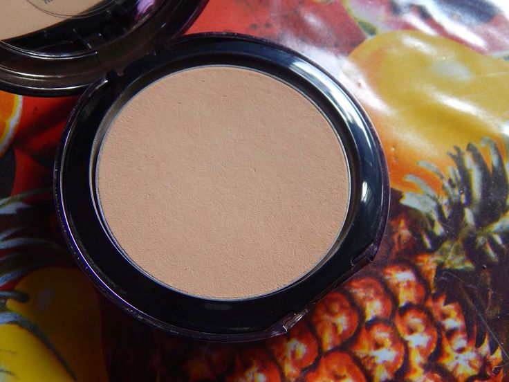 karismaticduals: Lakme Absolute White Intense Wet and Dry Compact