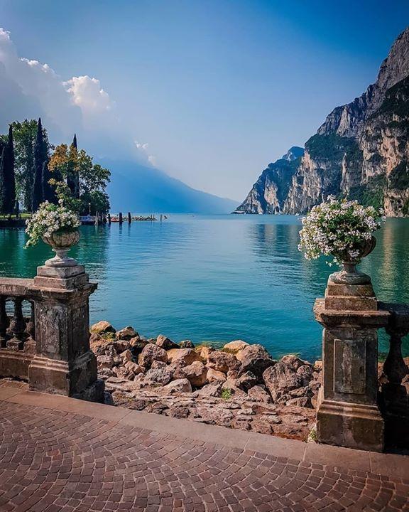 Riva Del Garda Lago Di Garda Places To Travel Lake Garda Travel