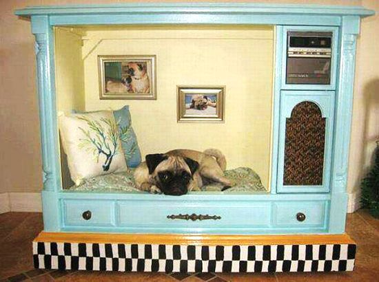 The most FANTASTIC home made dog bed ever! Made out of an OLD TV!