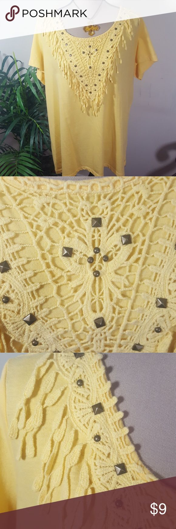 YELLOW BLOUSE !💥 Yellow fringed blouse! Crochet accent on front with metal accents for embellish.  Tag is missing, but material is cotton and size 1X. Good Condition. Tops Blouses
