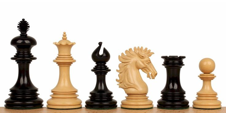 "Wellington Staunton Chess Set in Ebony & Boxwood- 4.25"" King - The Chess Store"