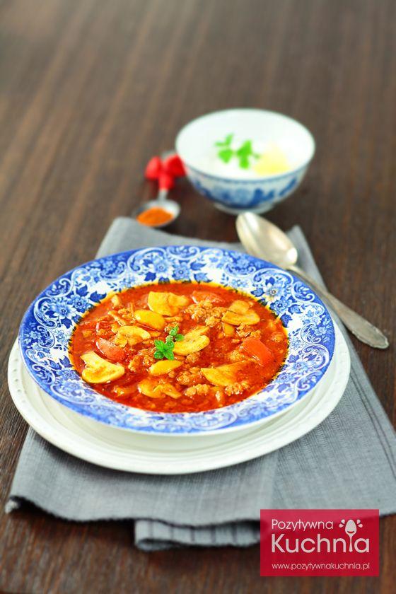 #Zupa gulaszowa z pieczarkami - #przepis na rozgrzewającą zupę na jesień i zimę  http://pozytywnakuchnia.pl/zupa-gulaszowa/  #kuchnia #obiad