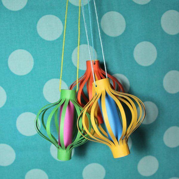 Lanternes en papier coloré / colorful paper lanterns