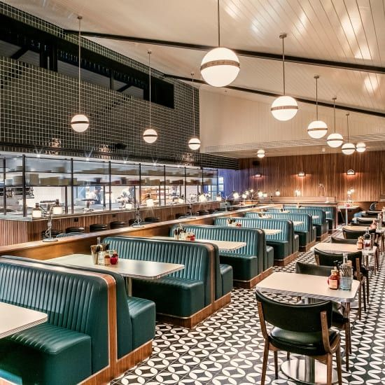 Mollie's Motel in Oxfordshire is a diner, motel and drive-thru from the Soho House group. It's the first in a series of openings inspired by the classic American diner, with rooms from Restaurant Interior Design, Cafe Interior, Studio Interior, Hd Diner, Soho House Group, Arcade Retro, Diner Aesthetic, Diner Restaurant, Soho House Restaurant