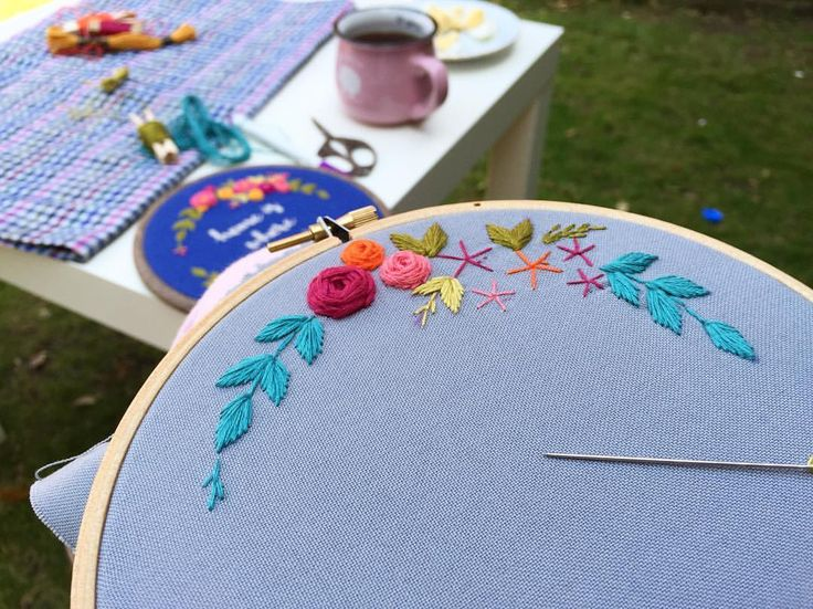 """233 Beğenme, 5 Yorum - Instagram'da @zezehandcraft: """"There is life in the garden 🌿.. . . . . . . . #embroidery #embroider #embroidered…"""""""