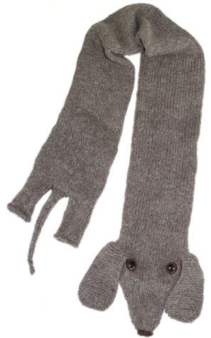 Lucy Scarf!  We need this is brown though......I might have to make this.