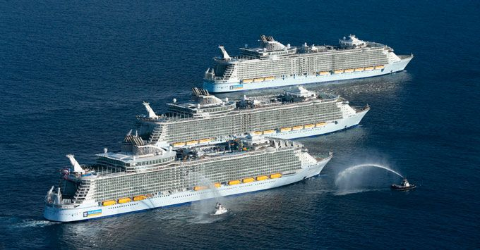 Oasis Class Ships Meet (Photo: Royal Caribbean)