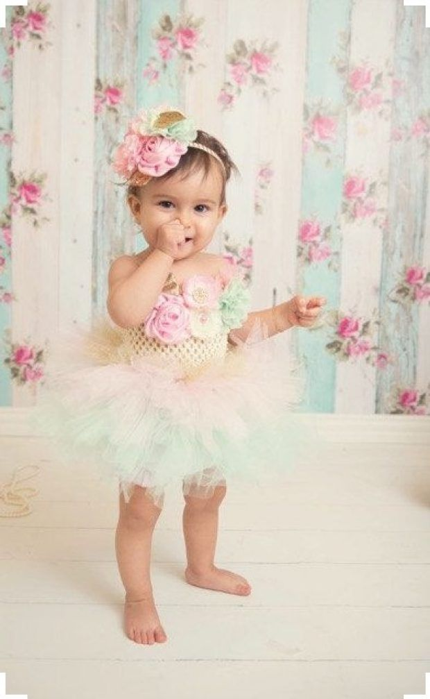 1st birthday Outfits for Girls – 25 Cutest Dresses