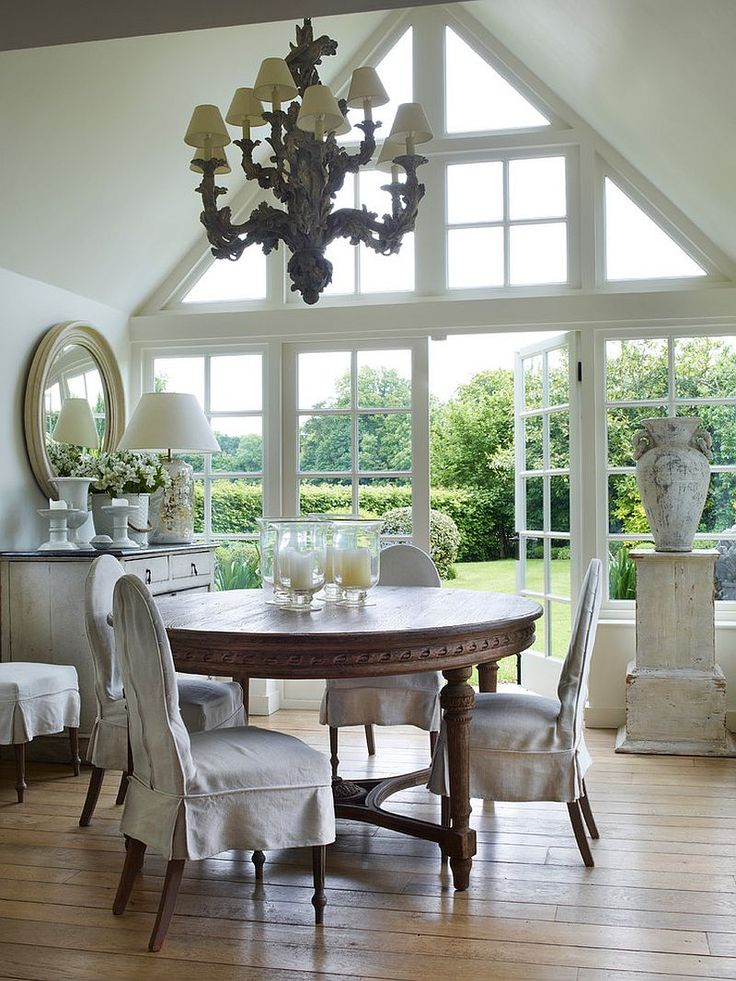 Windows and doors in the backdrop fit into the casual farmhouse style - Decoist